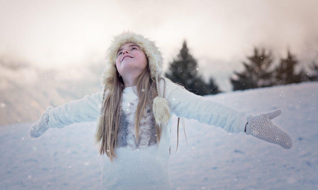 girl, snow, winter clothing-1207641.jpg